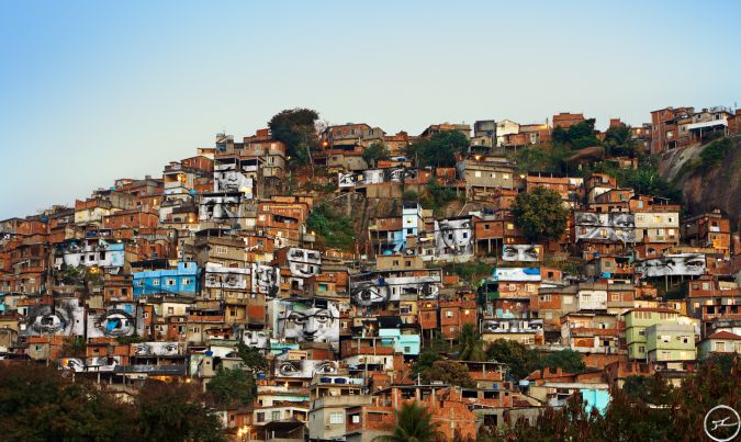 28_millimetres_-_women_are_heroes_action_dans_la_favela_morro_da_providencia_favela_de_jour_rio_de_janeiro_bresil_2008